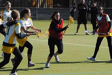 Lacrosse-Nachwuchsspielerin